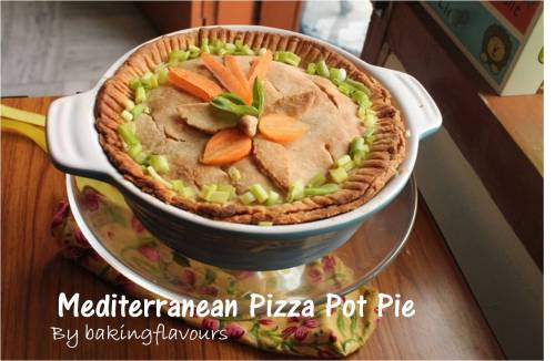 Mediterraranean pizza pot Pie