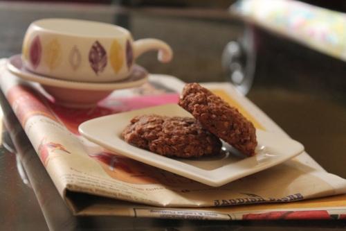 Hazelnut, oats and banana cookies