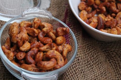 Honey and mustard cashews