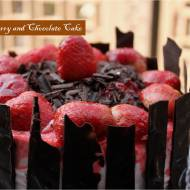 Strawberry and chocolate cake1