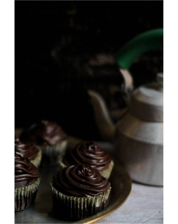 choclate cupcake with ganache frosting